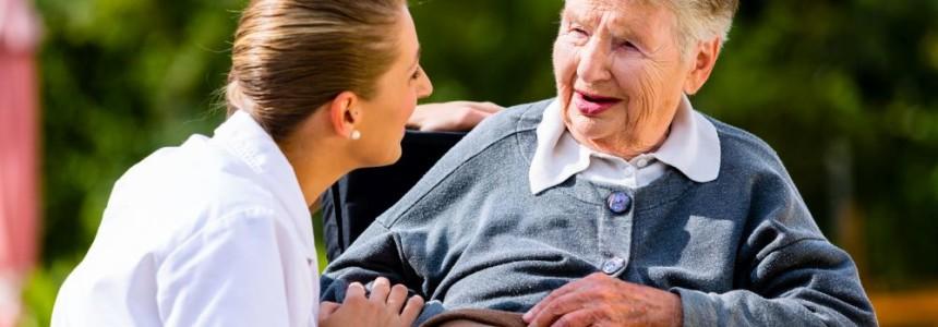 Dlaczego domy seniora powinny prowadzić działania marketingowe?